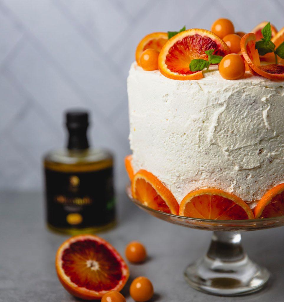Appelsinkake, illustrasjon til bruk av appelsinolje.